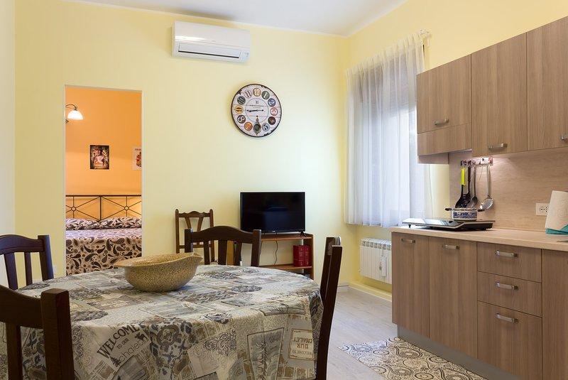 Notti di Stelle - Appartamento Indiana Jones, holiday rental in Komen