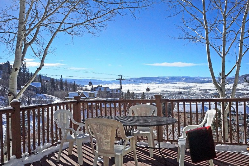 BBQ deck and outdoor dining with very nice views