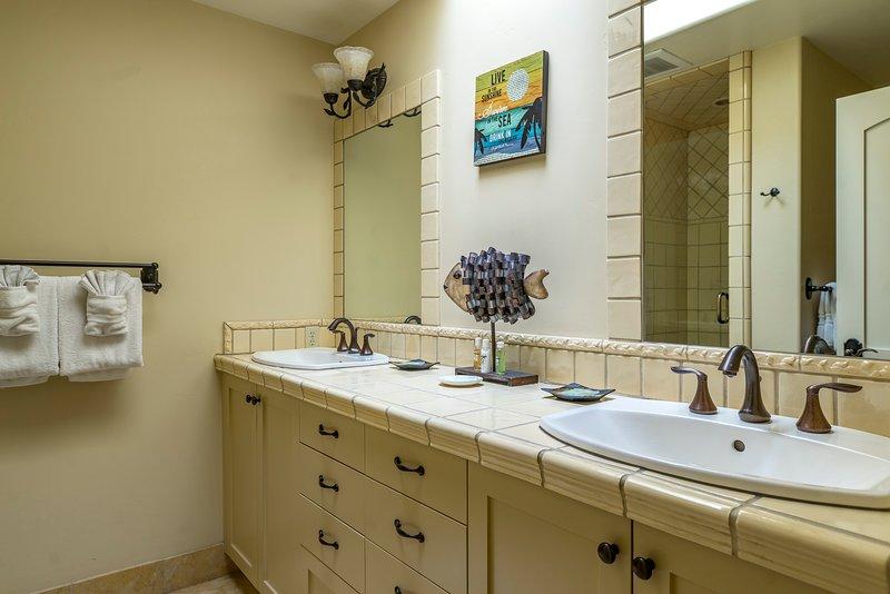 28 San Miguel-Luxurious Bathroom - 28 San Miguel Avila Beach Vacation Rental