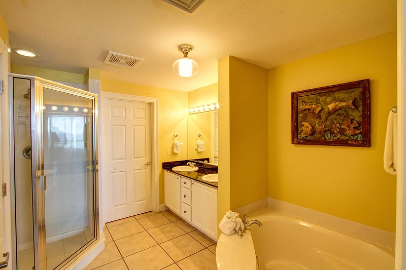 Calypso Resort 305w-Master Bathroom