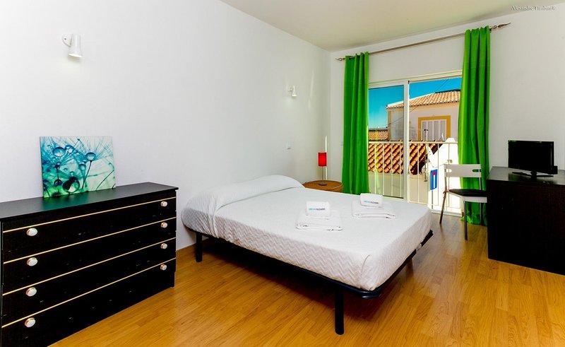A23 - Barao de Sao Joao Townhouse, casa vacanza a Carrapateira