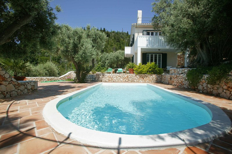 Villa Mimosa - Long term lease, holiday rental in Exanthia