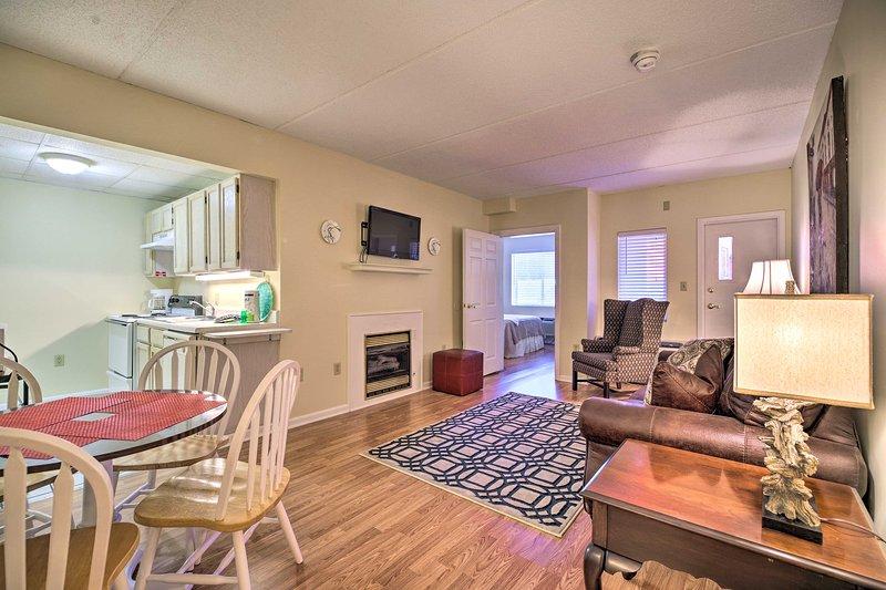 La sistemazione con 2 camere da letto e 2 bagni offre WiFi gratuito, TV via cavo e altro ancora.