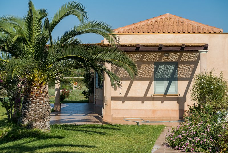 Guest House for 2 to 4 extra guests over the maximum capacity of the villa