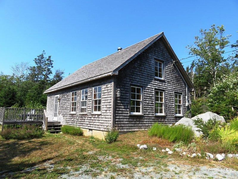 Walters Cabin - Secluded cabin in Port Joli, Nova Scotia.