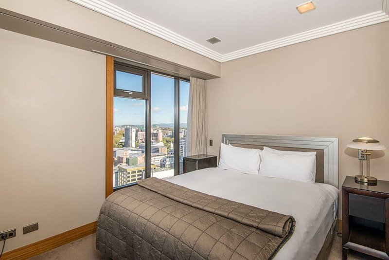 2 Bedroom Suite with Balcony and Parking – semesterbostad i Auckland