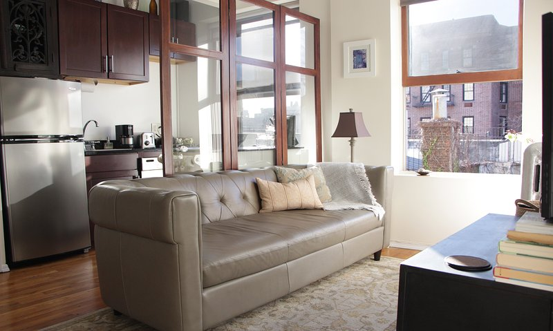 Corner 1 bedroom in the heart of the West Village, holiday rental in New York City