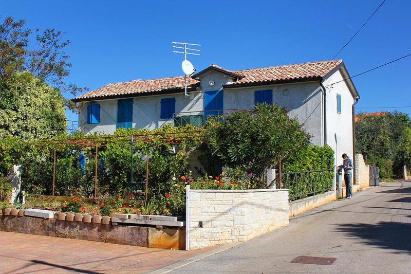 One bedroom apartment Zambratija, Umag (A-7141-b), holiday rental in Basanija