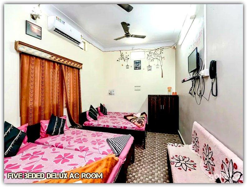 Mansarovar Guest House,Near Mahakal Temple,Ujjain, holiday rental in Ujjain