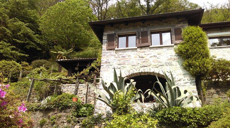 Alleinstehendes typisches Tessinerhaus 'Casa Ilvea' mit absoluter Privatsphäre, location de vacances à Cevio