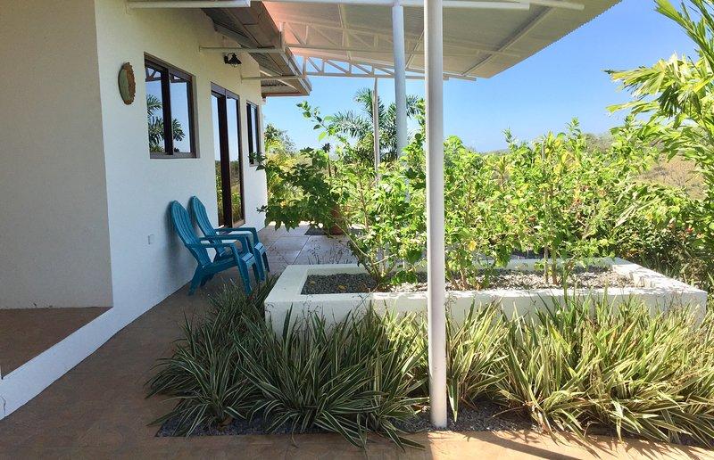 Vista Paraíso! New Casitas With Incredible Views, Peace and Tranquility, Pool, aluguéis de temporada em Boca Chica