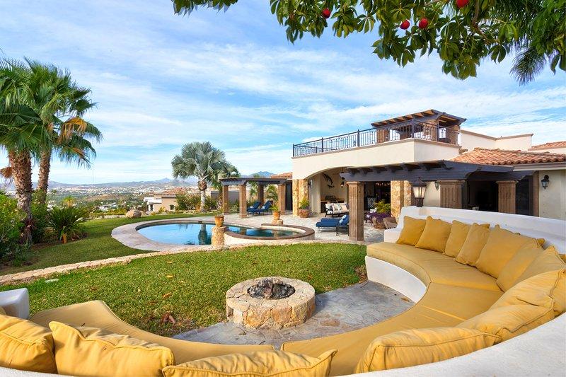 Absolutely amazing views from Casa Esplendida 4BD!, holiday rental in Animas Bajas
