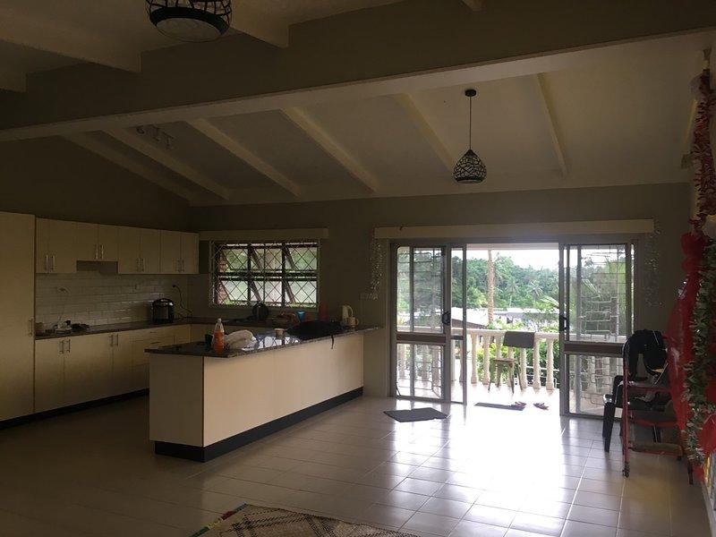 *Business/Family* | Nausori DT(5min)|Garden|3BR+AC, aluguéis de temporada em Nausori