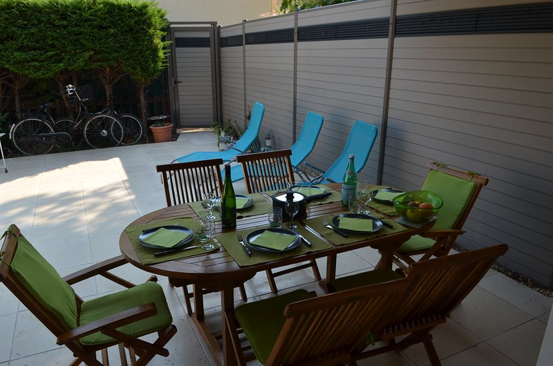 AGREABLE PAVILLON 6/7 pers. TOUT CONFORT CAP D'AGDE, holiday rental in Cap-d'Agde