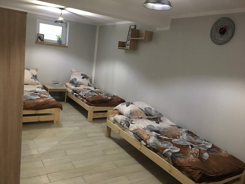Sajenek basement room, alquiler de vacaciones en Este de Polonia