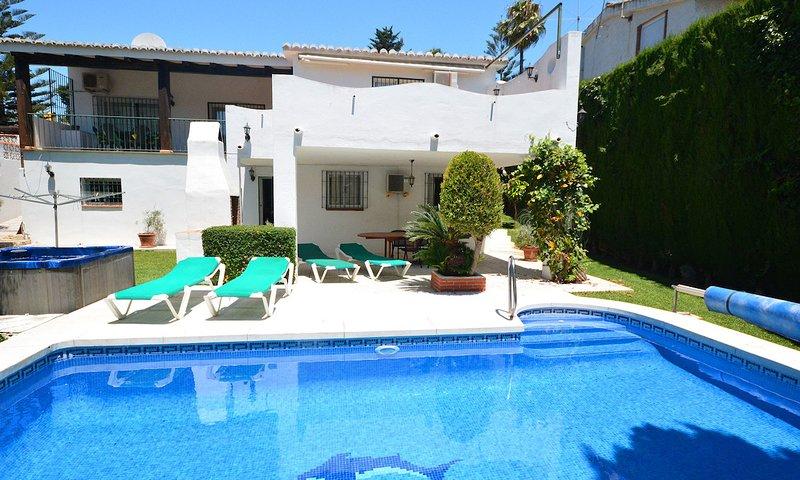 La Cala De Mijas Villa Sleeps 12 with Pool Air Con and WiFi - 5700489, vacation rental in Las Lagunas de Mijas