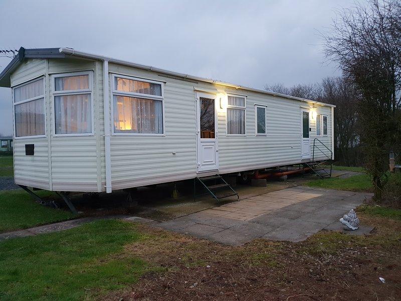 2 bed static caravan for hire at port haverigg marina village, holiday rental in Kirksanton