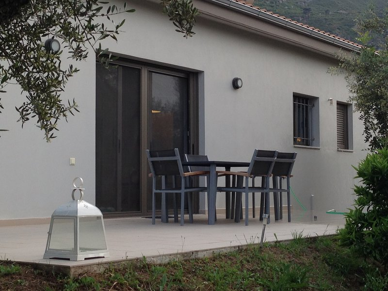 Newly built summer house, holiday rental in Akrata