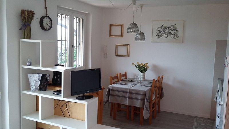 Frida's Apartment: stunning and relaxing!, Ferienwohnung in Cisano
