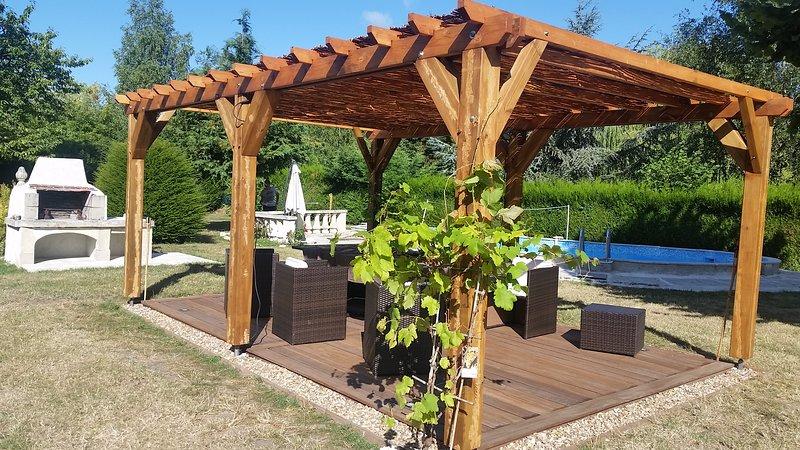 Longère de charme avec piscine proche Zoo de Beauval, holiday rental in Mur-de-Sologne