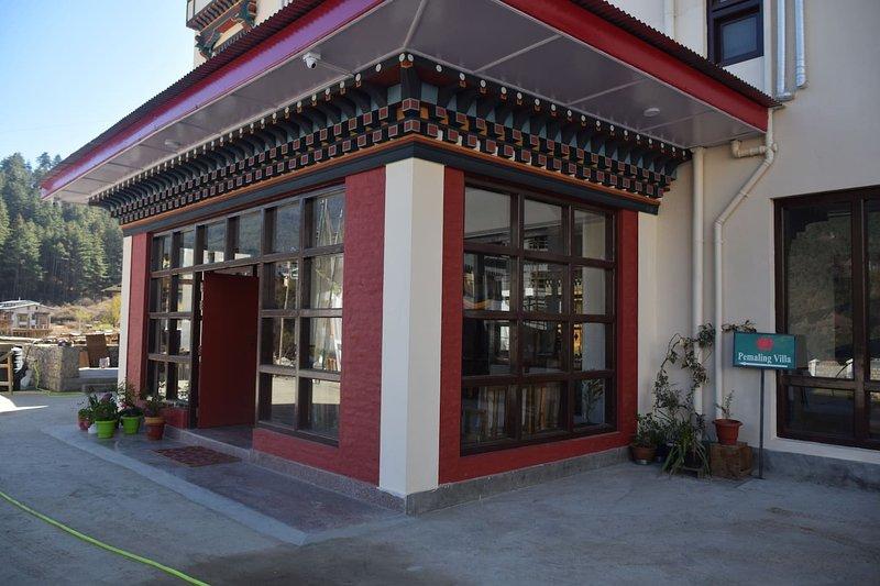 Pemaling Villa - Serviced Apartment - Standard 7, casa vacanza a Thimphu