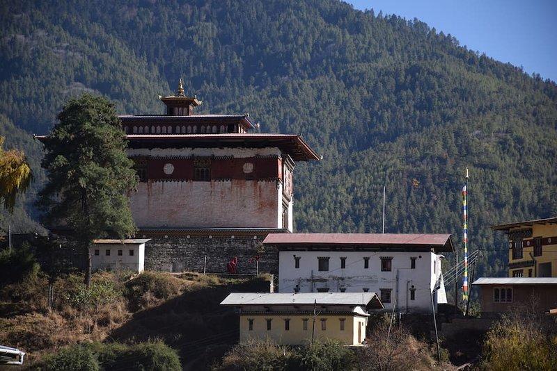 Pemaling Villa - Serviced Apartment - Standard 2, casa vacanza a Thimphu