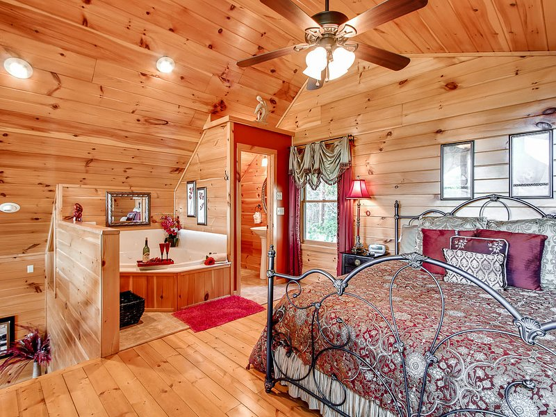 In the Mood Log Cabin, vacation rental in Gatlinburg