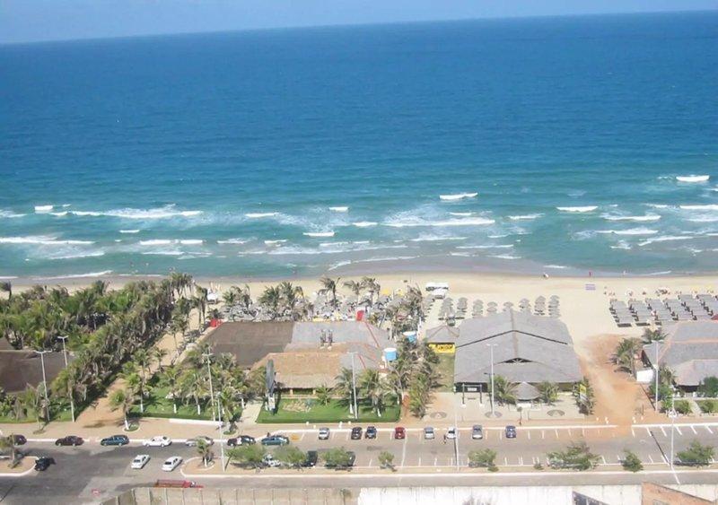 Apartamento com vista incrível em FRENTE AO MAR da Praia do Futuro, aluguéis de temporada em Fortaleza