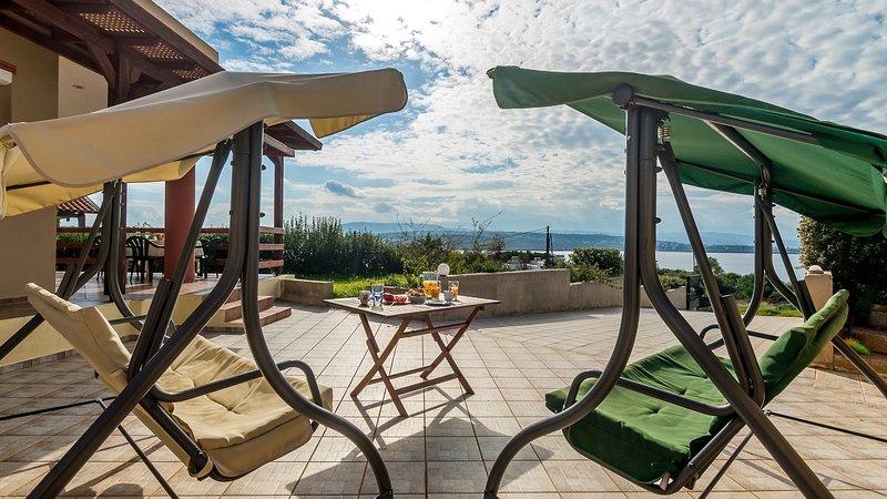 Fanatastic View Villa 200m From Tersanas Beach, holiday rental in Tersanas