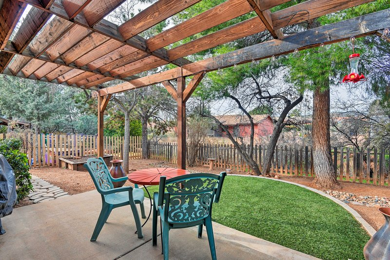 Six travelers can experience Red Rock Country from this vacation rental house.