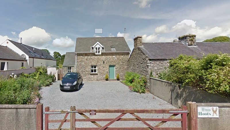 Two Hoots Hodgeston, secure gated parking for 3 + cars, with easy road access