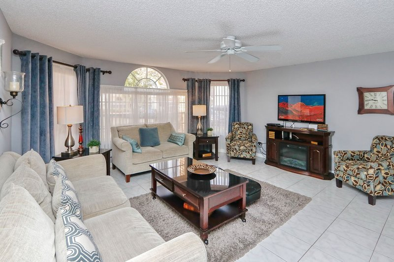 DISNEY WORLD! LOW $'S!  ENTIRE NEW Home! Harry Potter Theme, Sleeps 8!, vacation rental in Kissimmee