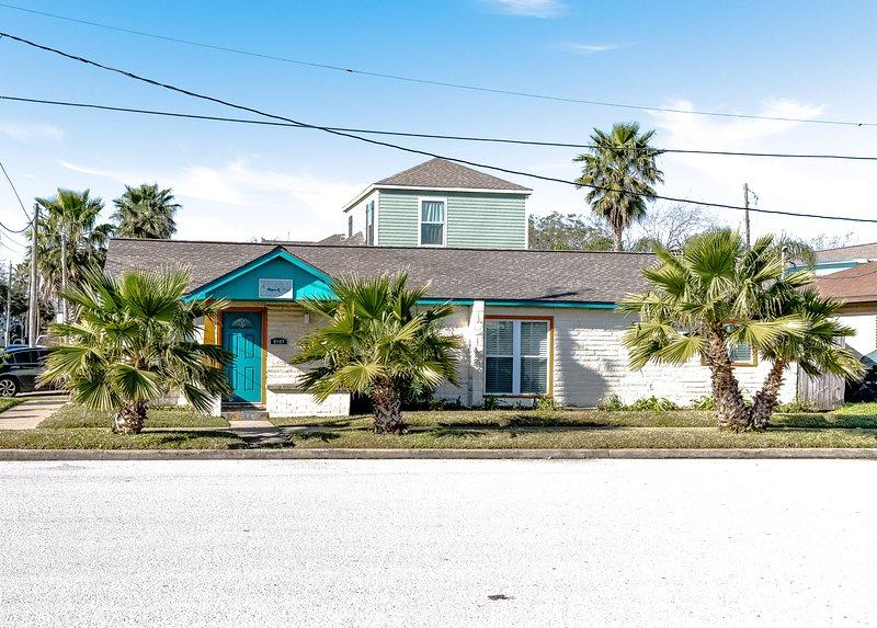 Casa Sea Spell, Pet Friendly, Two Blocks to beach, Pleasure Pier & Restaurants – semesterbostad i Galveston