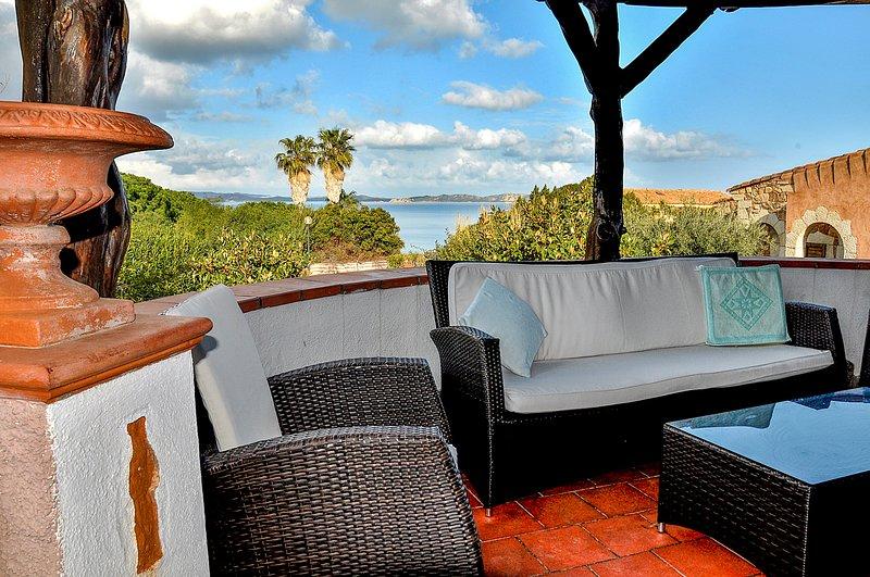 Villa Rosè 10 posti letto vista mare, vacation rental in Baia Sardinia