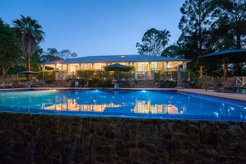 The Cottage at Samford Lakes just 30 mins from Brisbane CBD, alquiler vacacional en Mount Glorious