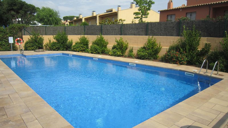 Calella de Palafrugell Apartment Sleeps 2 with Pool - 5345601, holiday rental in Mont-ras