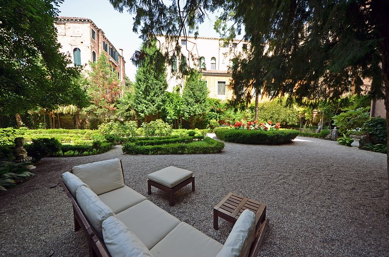 giardino del Palazzo Rezzonico