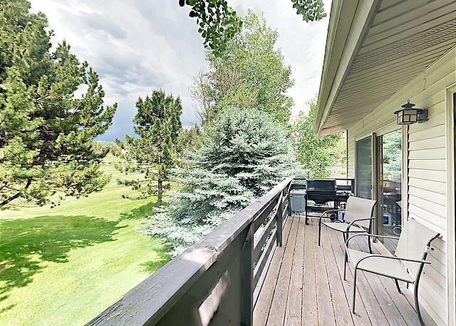 Private Deck Overlooking Golf Course! Near Aspen, Basalt Mountain & Snowmass, location de vacances à Carbondale