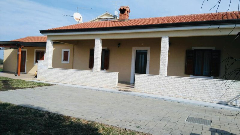 One bedroom apartment Zambratija, Umag (A-16297-b), holiday rental in Basanija