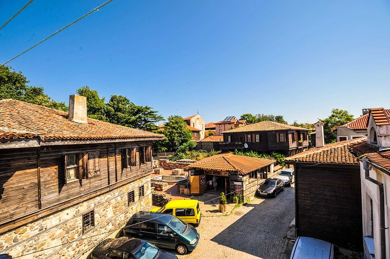 Cozy Suite Amidst Galleries And Taverns, holiday rental in Chernomorets