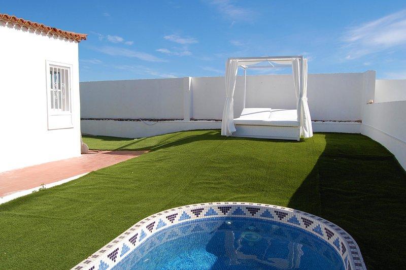 208 La Quinta, Beautiful 2 bed villa with private splash pool, holiday rental in San Miguel de Abona