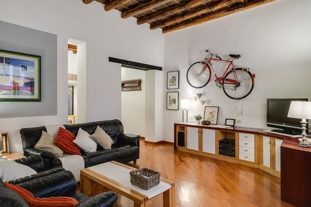 APARTMENT IN THE CENTRE - ODDO'S HOUSE, holiday rental in Ladispoli
