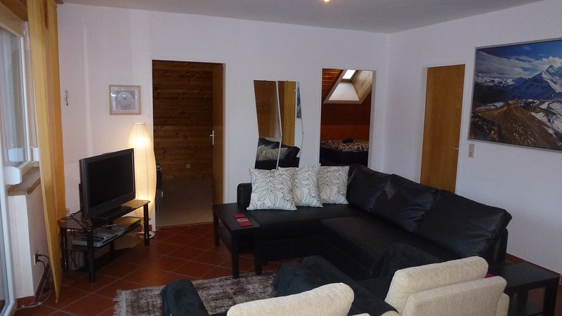 Sunny apartment for up to 6 people, alquiler de vacaciones en Kötschach-Mauthen