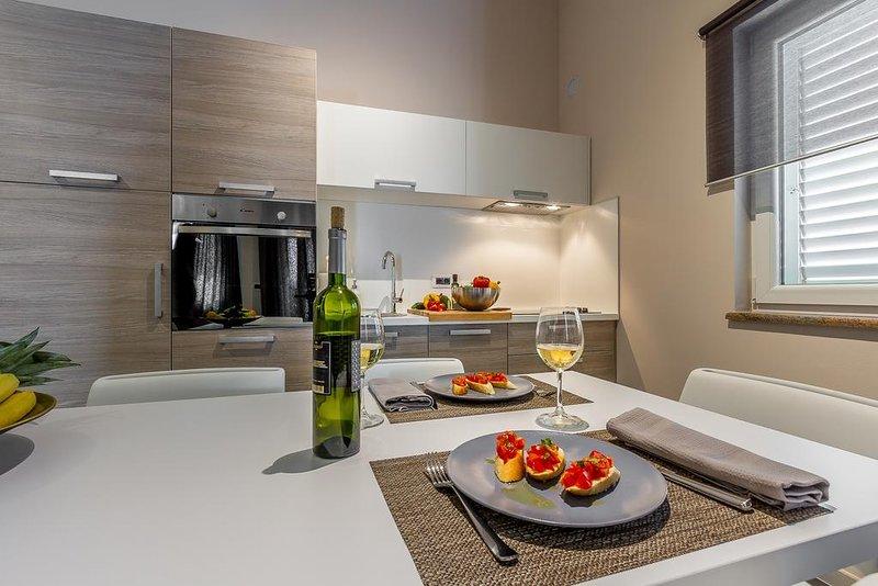 Apartment Stella, 2 bedrooms, holiday rental in Rovinjsko Selo