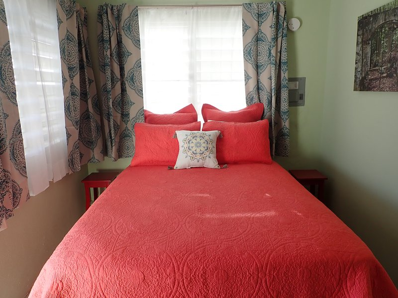 The Vieques Guesthouse - Room #12 - Single Room, holiday rental in Esperanza