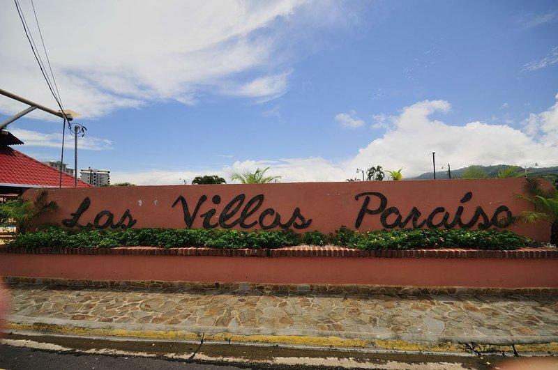 """Il nome della gated community """"Paradise villas"""""""