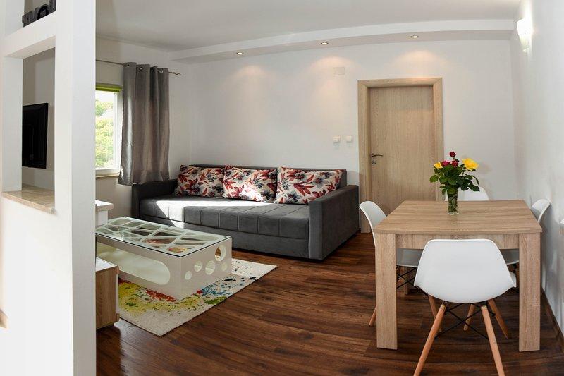 Daniva apartment, holiday rental in Bacina