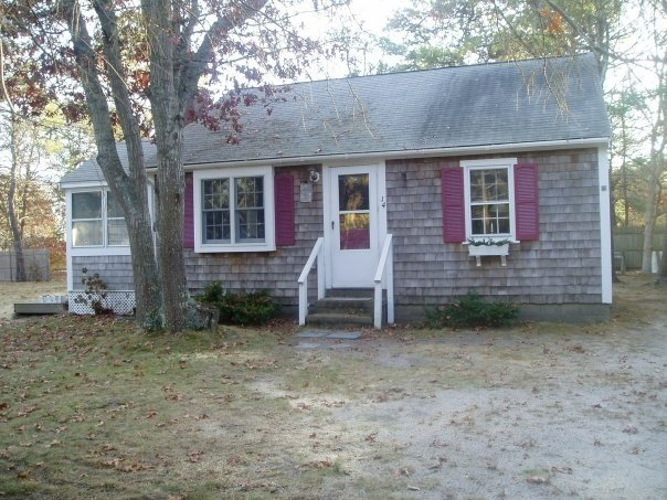 14 Bunny Cir.Quiet sand st. Walk to Seagull Beach, vacation rental in West Yarmouth