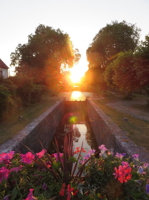 Sunset in the lock