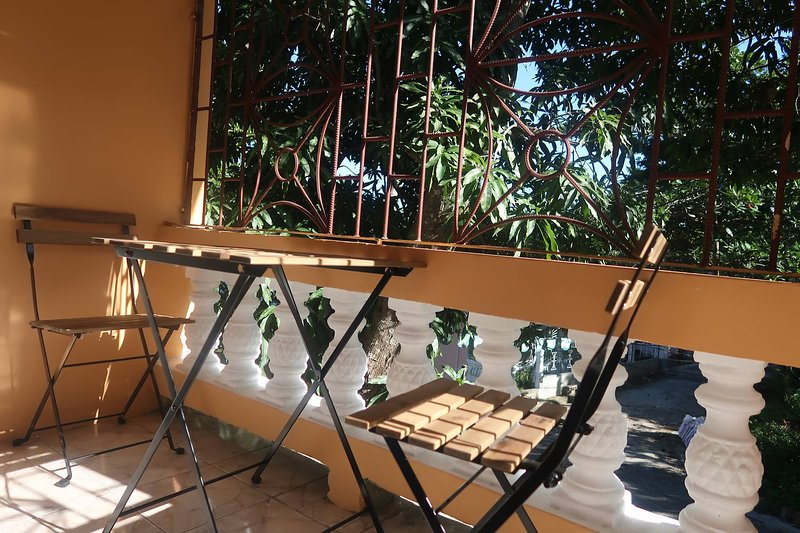 Under the Mango Tree *Sunny1BR w. Driver available, vacation rental in Montego Bay